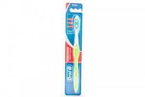 Oral B Tooth Brush All Rounder Fresh Clean Medium